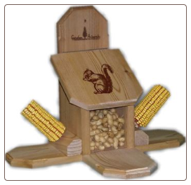 combo munch box and corn cob squirrel feeder