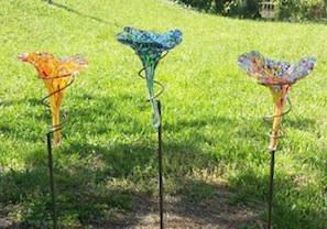 Staked glass butterfly feeders offer great versatility