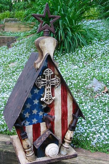 americana-decorative birdhouse